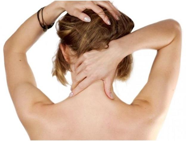 Мануальная терапия при остеохондрозе шейного отдела: что это такое, противопоказания, основные приемы, цена