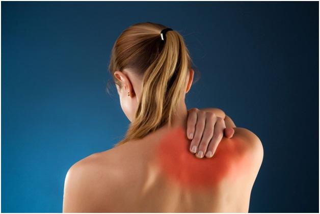 Болит спина отдает в левую руку