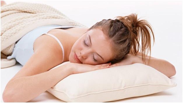 Почему когда спишь спина болит