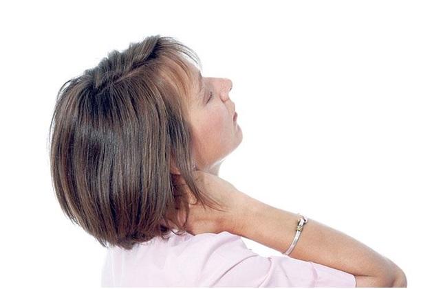 Боль в позвоночнике при наклоне головы вперед и назад thumbnail